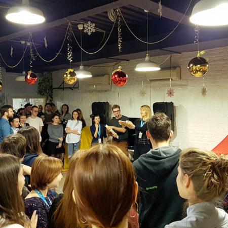 Новогоднее настроение в студии Паровоз