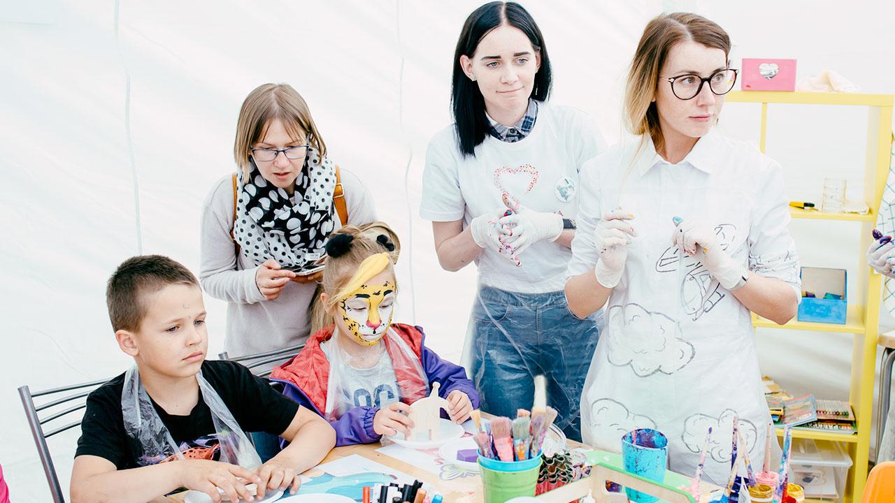Фестиваль Паровоз в Великом Новгороде • Студия Паровоз • Аниматоры с детьми