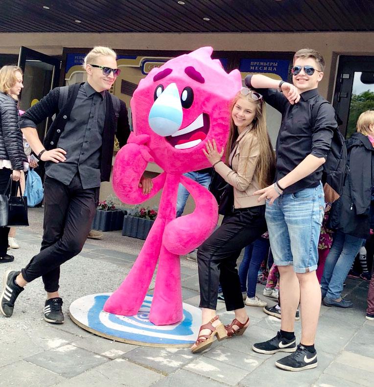 В Великом Новгороде проходит фестиваль детской анимации «Паровоз». Герой нового мультфильма «Катя и Эф»